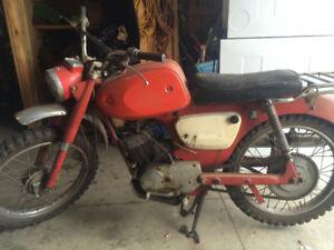 1965 Suzuki K15 dirtbike