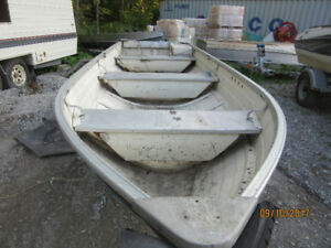 14 feet aluminum fishing boat and trailer