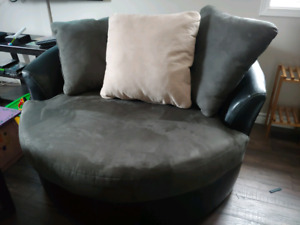 Swivel couch
