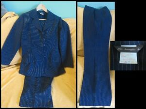 Women's 2 PCs Suit in EUC Size 11  M-L *EUC*