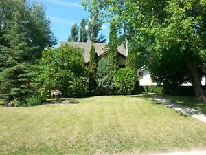 Beautiful Character Home on Extra Large Lot in Stettler, AB