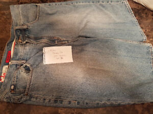 Mens like new size 36 echo jean shorts
