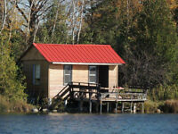 Cabin on the trout lake close to Collingwood