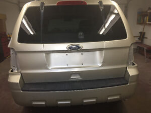 2011 Ford Escape FOR PARTS