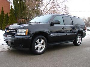 2007 Chevrolet Suburban LT SUV, Black on Black 7 Passenger.