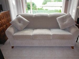Quality Couch & Love Seat made by La-z-Boy