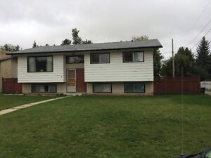 Large family home in Spruce Grove for rent