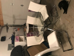 Chrome and Glass Dinning Table with matching Chairs