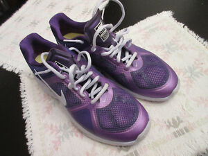 new NIKE Training LUNAR VICTORY size 10 Purple Running shoes
