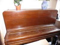 Upright heavy 1930w MICKELBURGH piano. Ideal beginners, MUST GO!