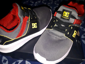 BRAND NEW CONDITION (No tie)DC Sneakers! Size 11 youth