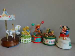 10 snow globes and musical boxes Cornwall Ontario image 4