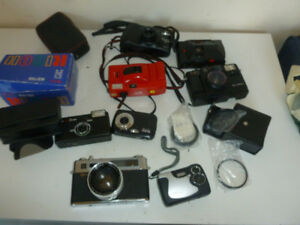 Nous achetons film cameras, we are buying film cameras