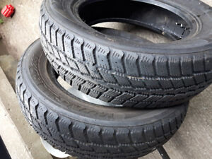 pair of 195/65r15 winter tires for sale, lots of thread.