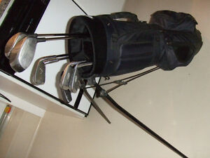 Men's LH Golf Club set with standing bag $100