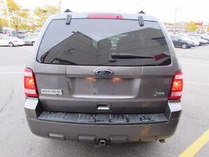 Ford Escape FWD 4dr V6 Auto XLT 2011 West Island Greater Montréal image 4