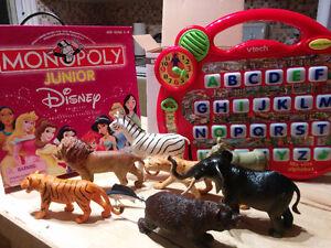 Jeux/jouets variés en bon état