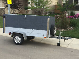4'X8' Enclosed Utility Trailer