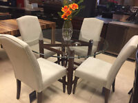 Liquidation table glass with 4 chairs