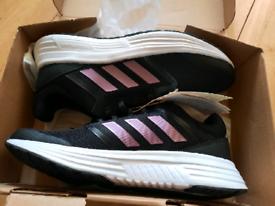 Galaxy 5 - Black/White/Pink