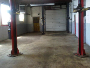 Commercial auto mechanic Garage for rent