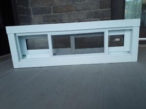 Fenêtre de sous-sol neuve, 27 X 9