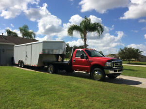2011    30' Qualifier Gooseneck  Seamless Enclosed trailer.