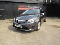 Toyota Avensis 2.0D-4D 2012MY T2
