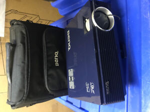 BenQ dlp projector with carrying case