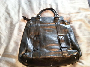 AUTHENTIC BURBERRY HAND BAG Windsor Region Ontario image 2
