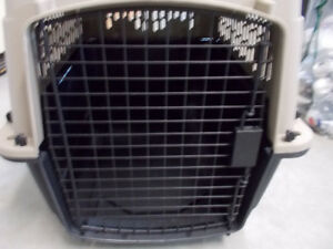 "LARGE DOG CRATE!27""L X 17""W X 21""H NEW NEVER USED!"