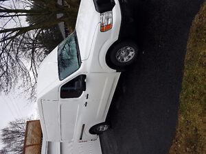2012 Nissan NV 2500 6cy  Van