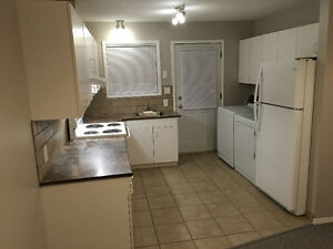 3 bdrm immaculate suite in quiet 4 plex