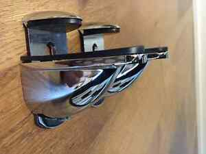 Glass shelf brackets London Ontario image 1
