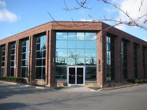 2 OFFICE SPACES FOR RENT IN GREAT VAUGHAN LOCATION