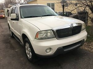 2004 Lincoln Aviator - Low KM!