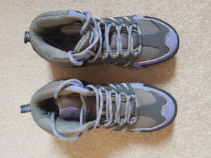 Safety Shoes - size 5.5M
