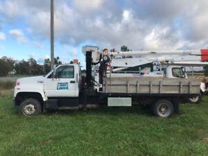 Topkick hiab landscape truck.- dump truck