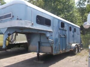 1992 Delta 3 Horse Trailer with Sleeping Quarters