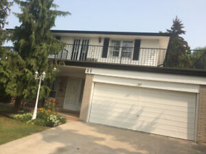NICE FOUR BED ROOM 2STOREY HOUSE(First &Main) IN NORTH ETOBICOKE