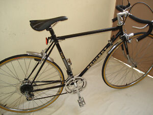VINTAGE PEUGEOT GS 10 SPEED.