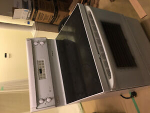 GE Flattop Stove in great working condition for sale