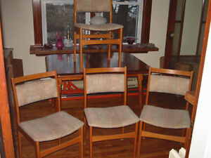Set of 4 1960's vintage Danish Modern Oak dining chairs