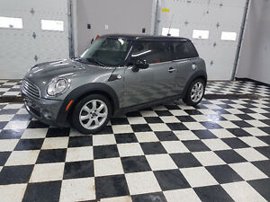 2009 MINI . Cooper  Low KM