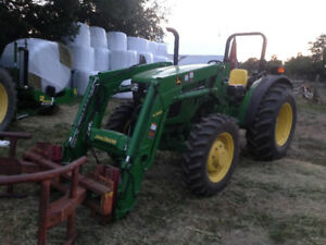 John deere 5045e tractor 4x4 and loader