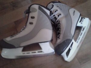 Ladies CCM Proformance Profile Skates