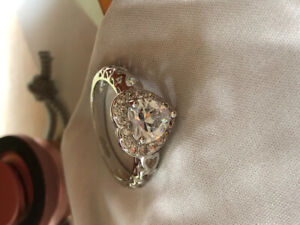 Heart-shaped 18K GOLD-plated ring (brand new)
