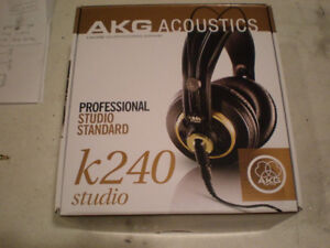 Akg K240 Studio headphones 55 ohm mint shape.