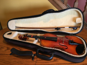 Child's Violin - Very Good Condition