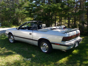antique auto 1988 chrysler labaron convertible